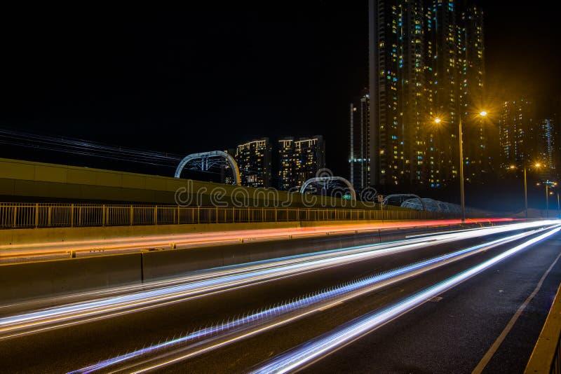 Следы света: Мост Chau леев Ap стоковые изображения rf