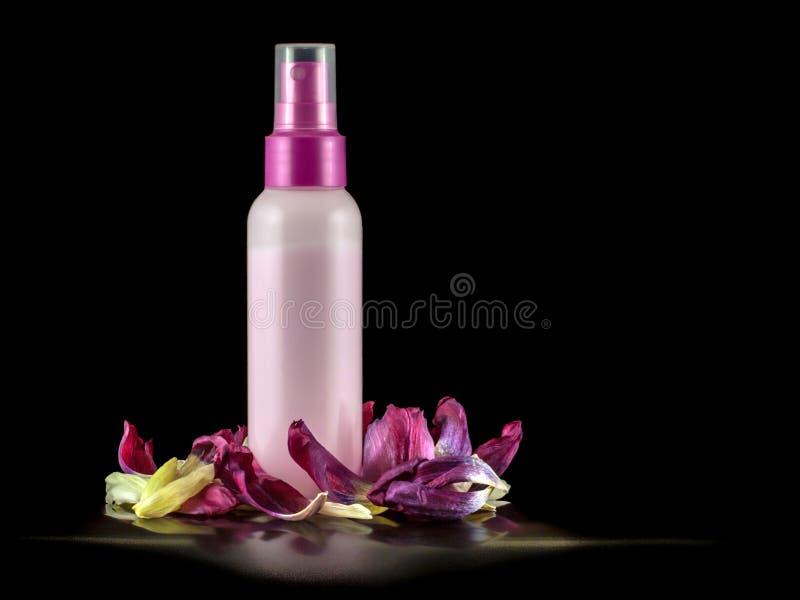 Сливк в пластичной бутылке стоковое изображение