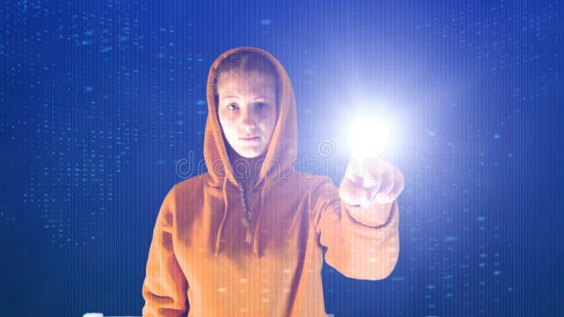 С капюшоном пункты девушки с ее рукой в окружающей среде виртуального пространства цифровой, идеальная для тем как экологичность  стоковое изображение rf