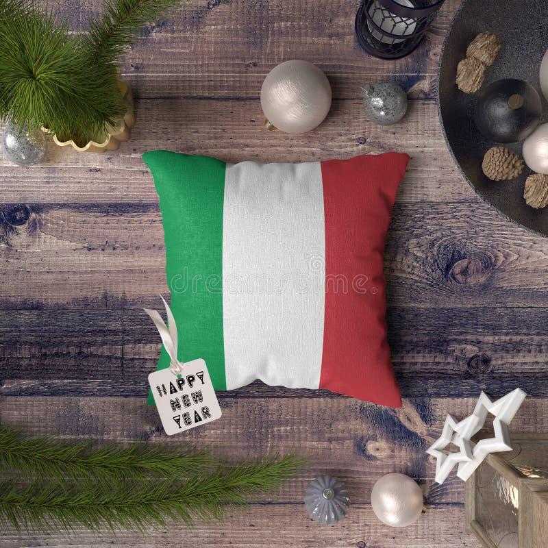 С Новым Годом! бирка с флагом Италии на подушке r стоковое фото rf