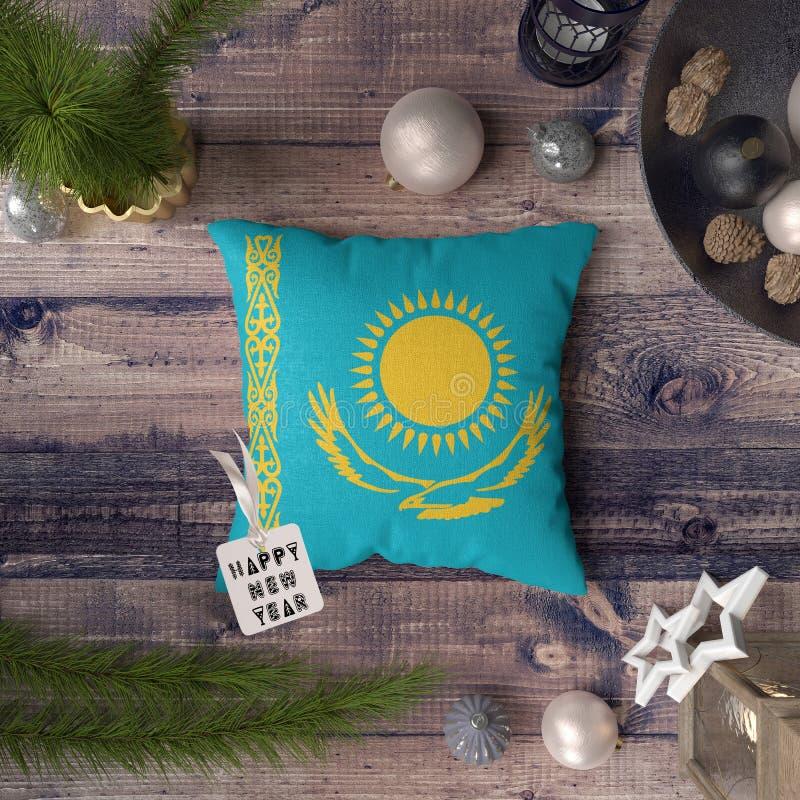 С Новым Годом! бирка с флагом Казахстана на подушке r стоковое изображение