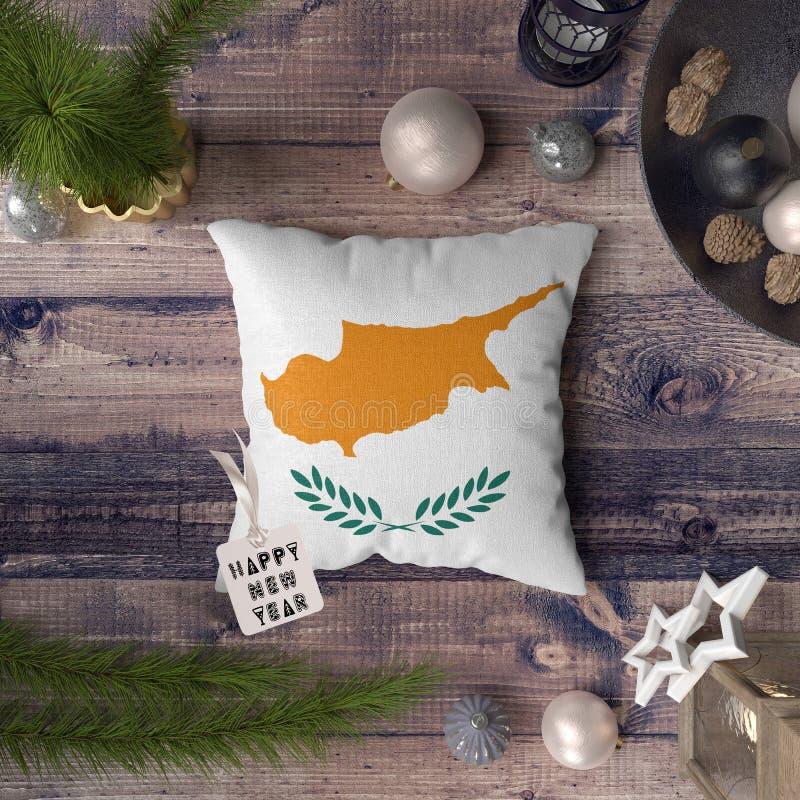 С Новым Годом! бирка с флагом Кипра на подушке r стоковая фотография rf