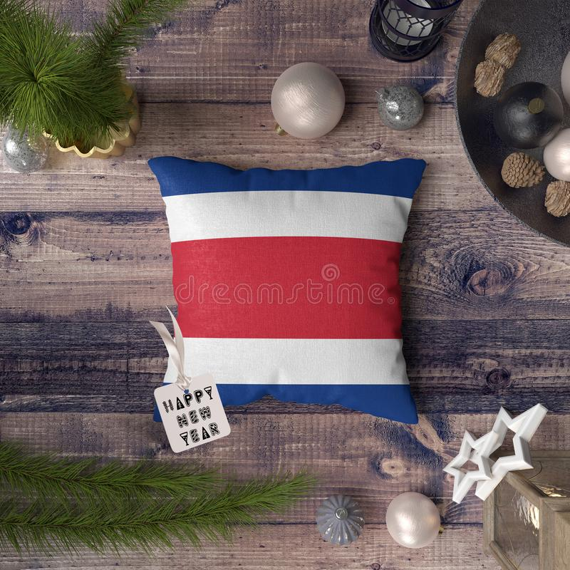 С Новым Годом! бирка с флагом Коста-Рика на подушке r стоковое фото