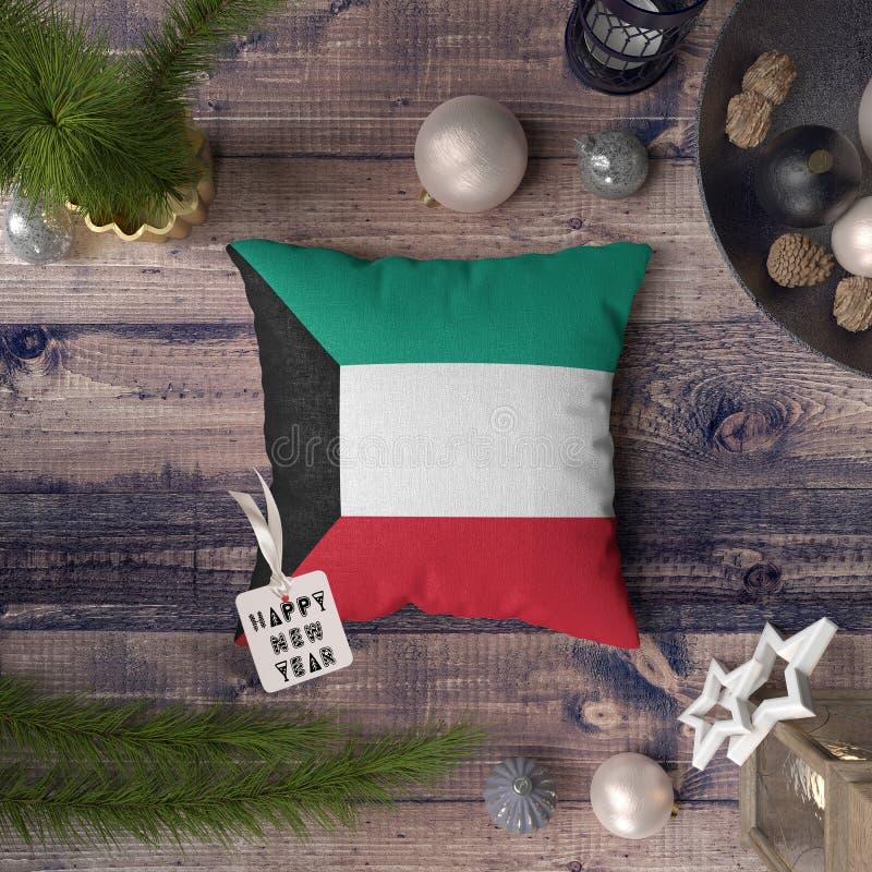 С Новым Годом! бирка с флагом Кувейта на подушке r стоковые изображения rf