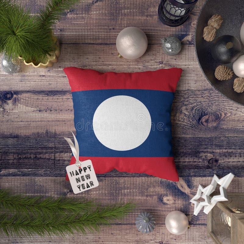 С Новым Годом! бирка с флагом Лаоса на подушке r стоковая фотография