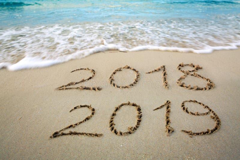 С Новым Годом! предпосылка Нового Года 2019 и выходить год 2018 стоковая фотография