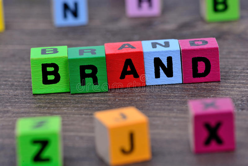 Слово бренда на таблице стоковое фото