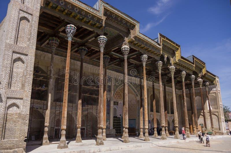 Сложный bolo-hauz - состоять из мечети, минарета и бассейна стоковое изображение