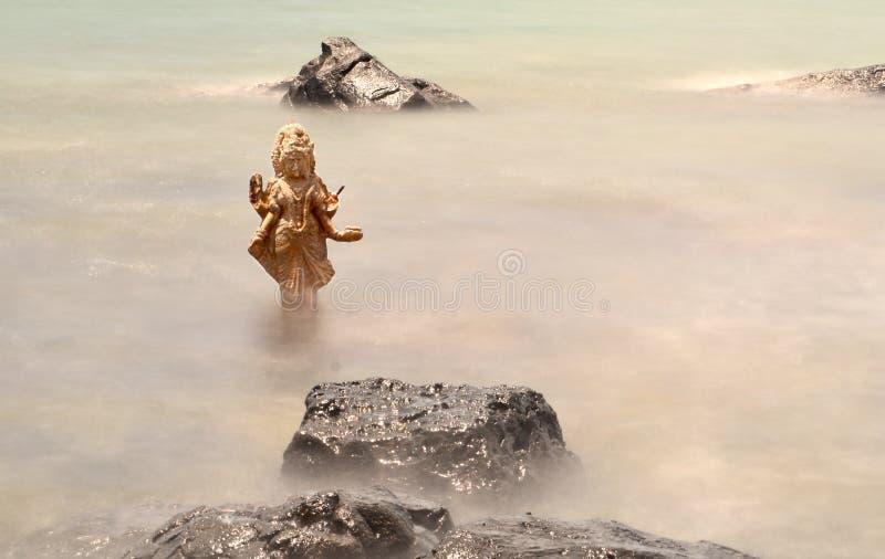 Сломленная статуя в Маврикии стоковое изображение rf