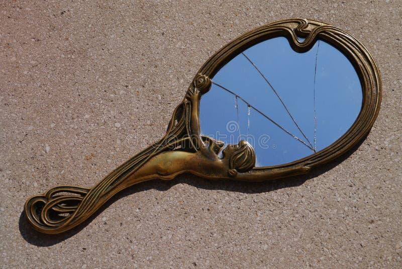 Сломленное зеркало стоковое фото rf
