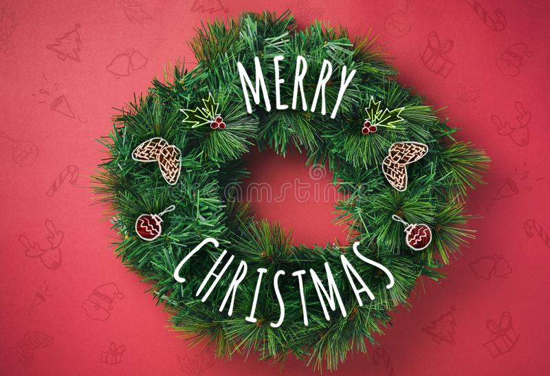 С Рождеством Христовым венок с конусом сосны притяжки doodle, декорумами вишни стоковые фотографии rf
