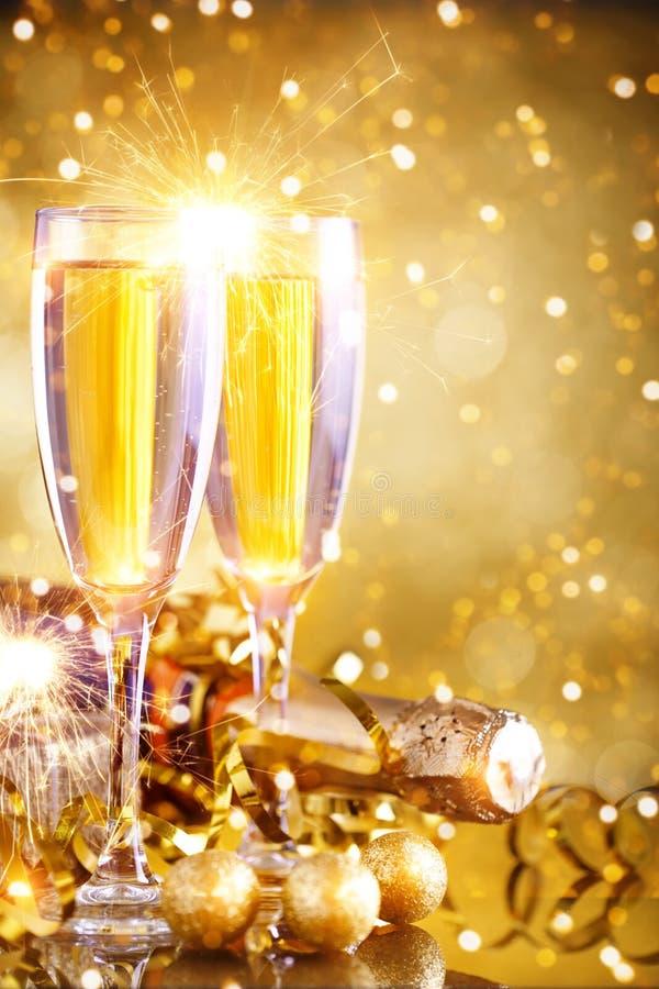 С Рождеством Христовым и с новым годом Предпосылка ` s Нового Года с украшениями Нового Года Карточка ` s Нового Года стоковая фотография