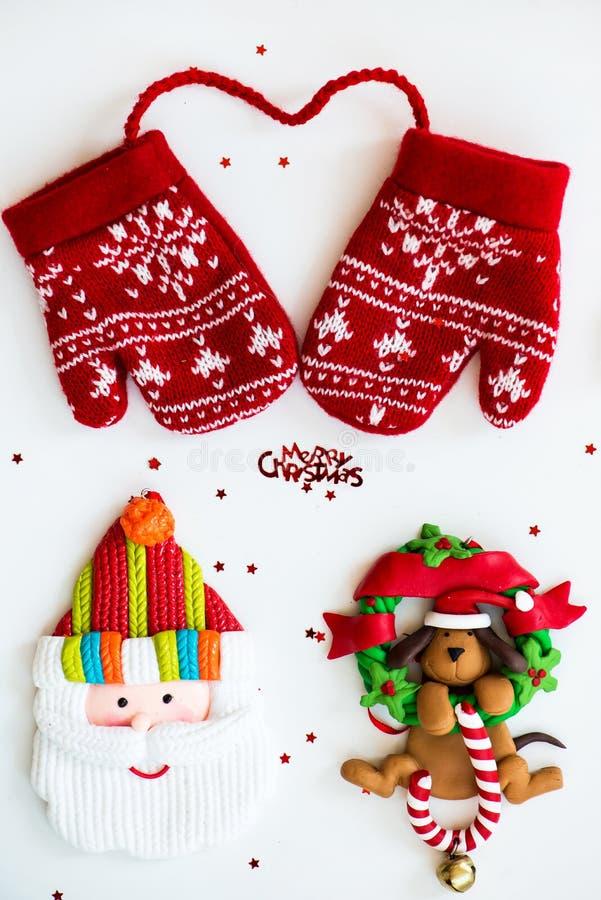 С Рождеством Христовым символы - письма, красный цвет связали Mittens, Санту, d стоковые фотографии rf