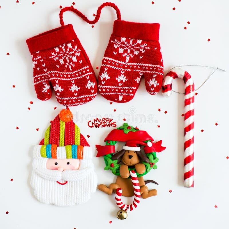 С Рождеством Христовым символы - письма, красный цвет связали Mittens, Санту, d стоковые изображения rf