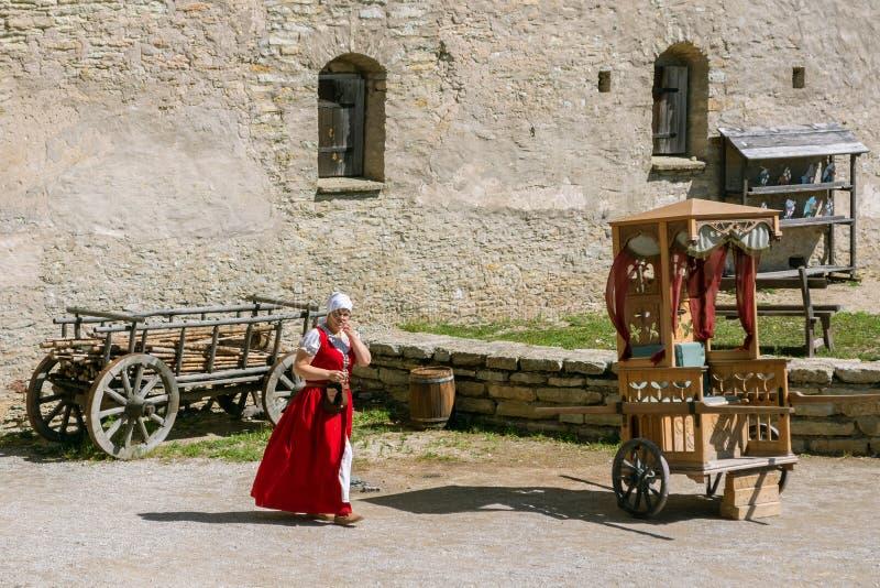 ?ourtyard du château antique images stock