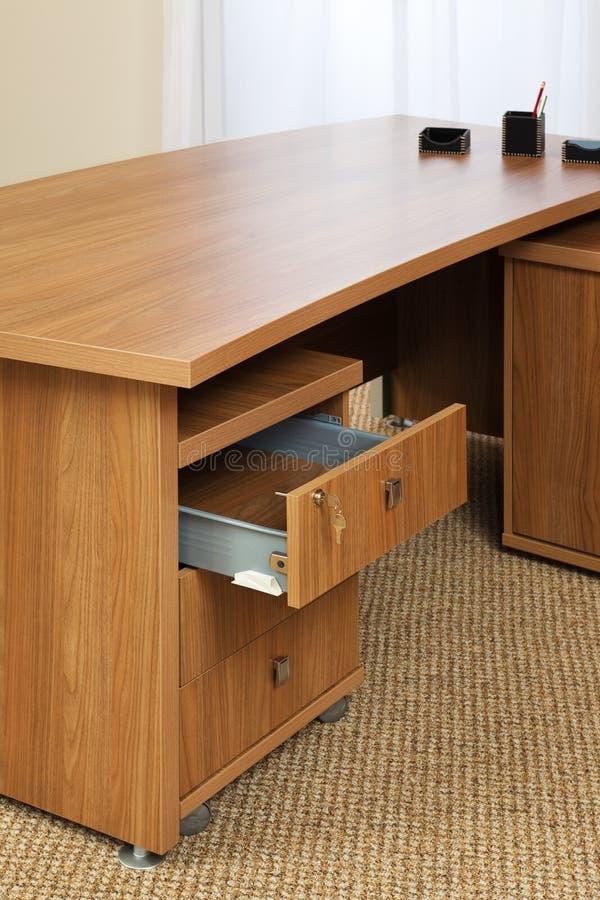 таблица деревянная стоковые фотографии rf