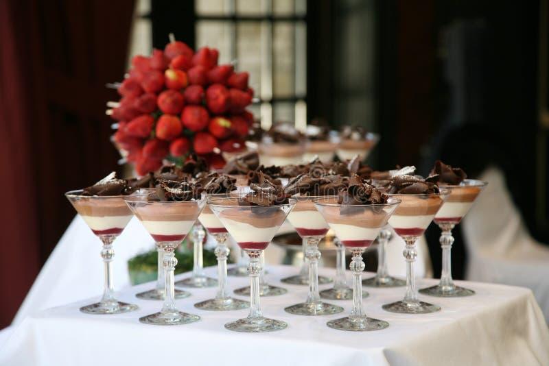 Таблица десерта стоковое изображение