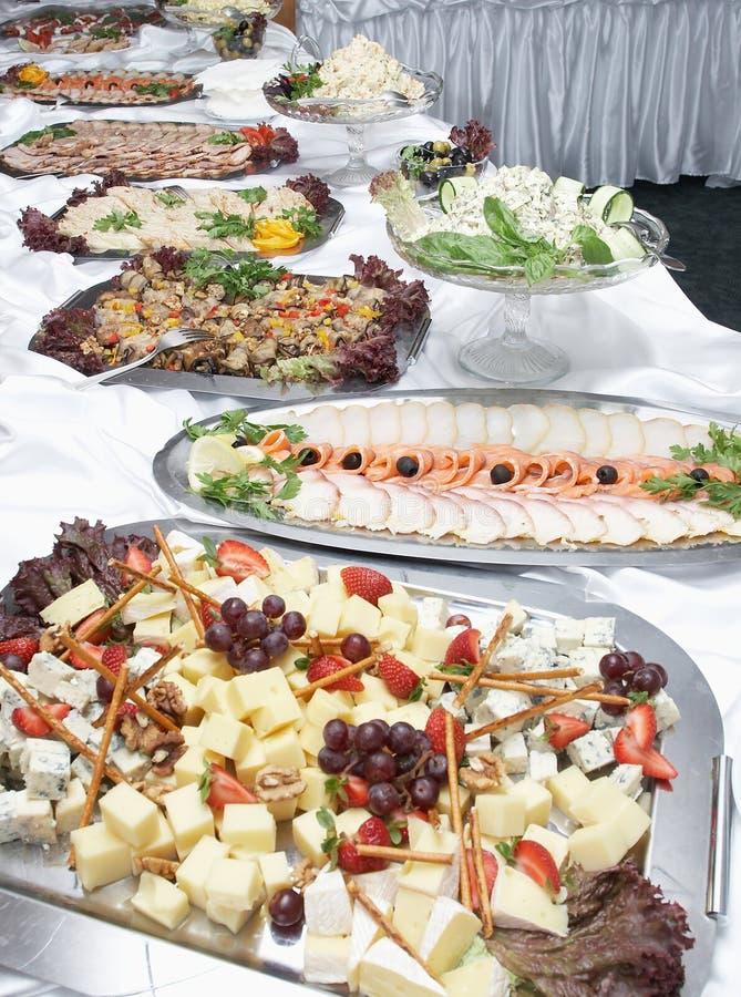 таблица еды шведского стола быстрая стоковая фотография