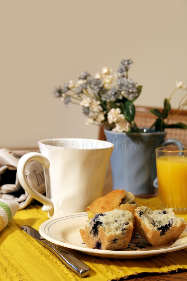 таблица завтрака стоковое изображение