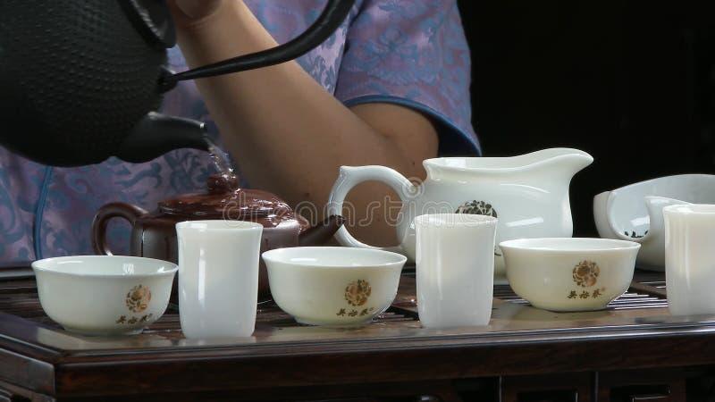 Таблица конца-вверх для утварей и бамбука церемонии чая Китайская церемония чая Японская церемония чая стоковые изображения