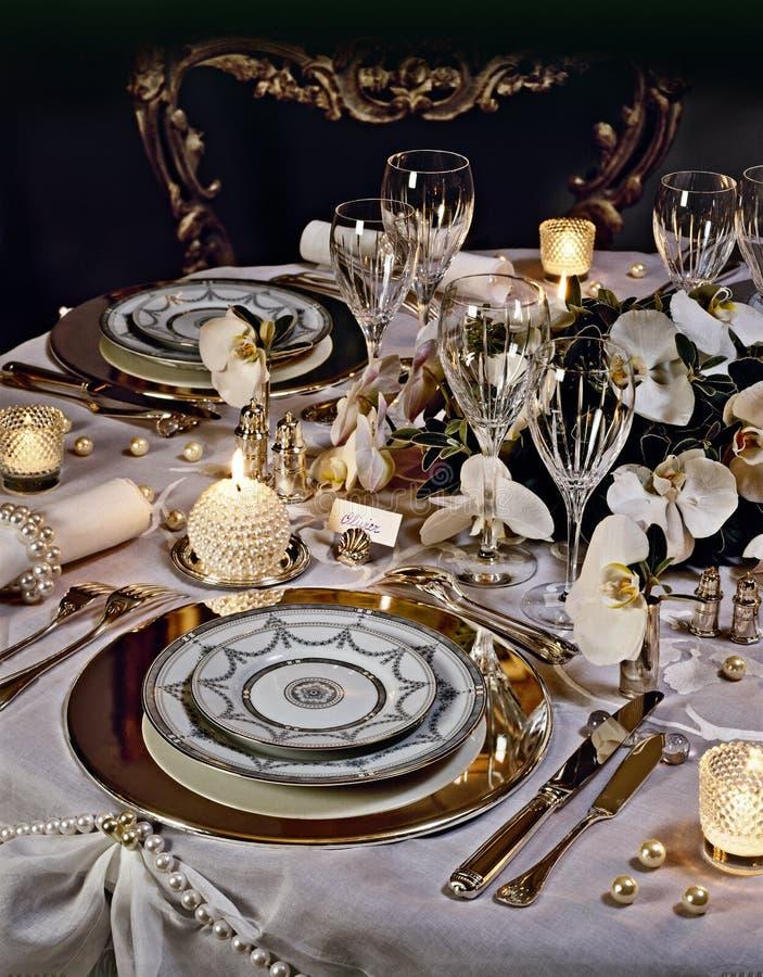 таблица украшенная рождеством обедая стоковые изображения