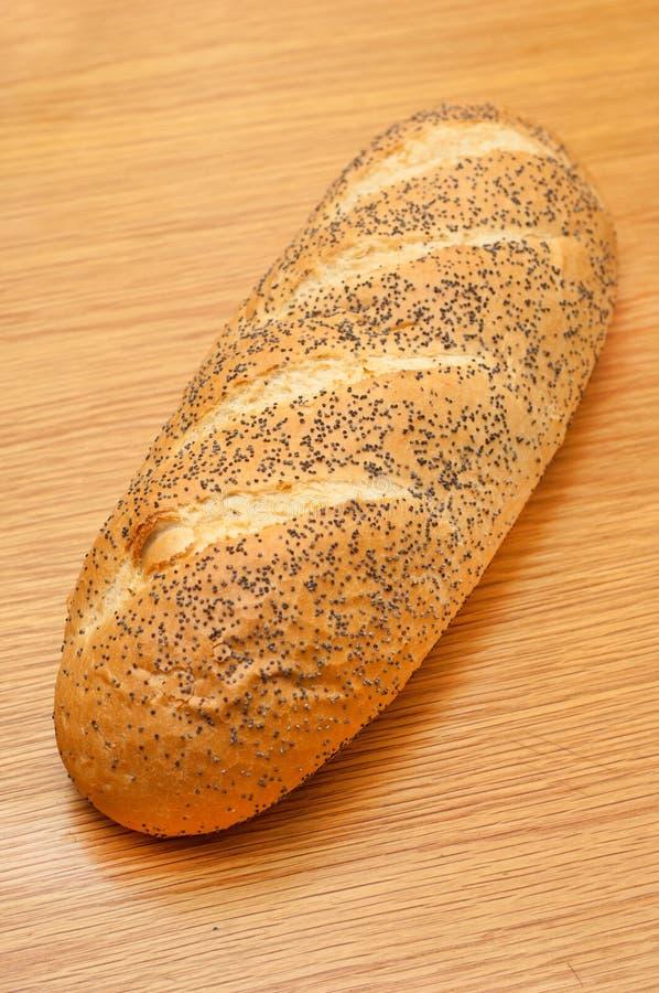 Download таблица хлеба обедая деревянная Стоковое Фото - изображение насчитывающей углеводы, еда: 18382686