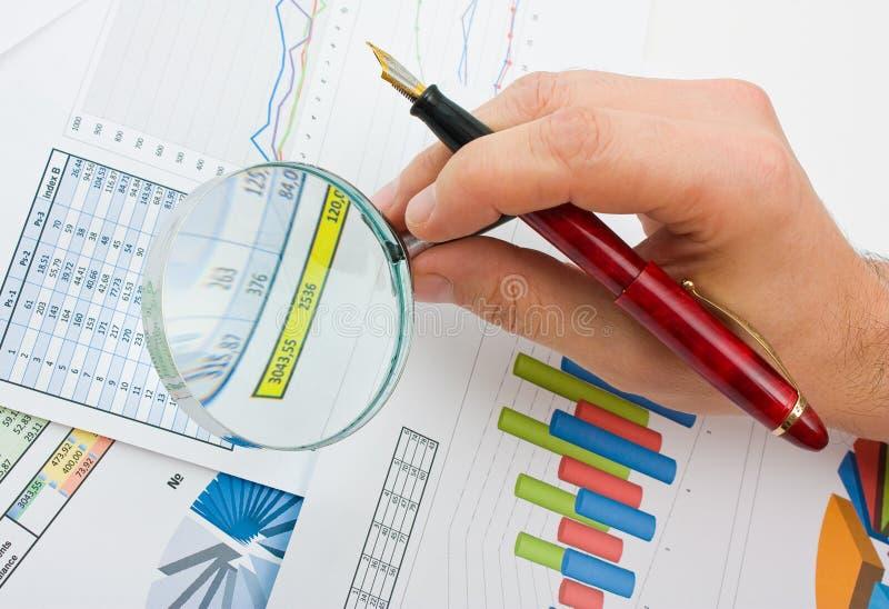 таблицы диаграмм документов стоковые изображения