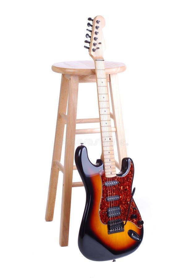 табуретка гитары стоковая фотография rf
