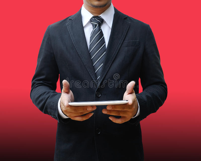 таблетка бизнесмена цифровая используя стоковое изображение rf
