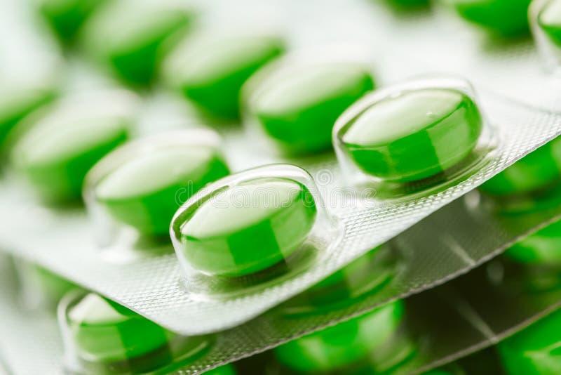 Таблетки в пластичной упаковке стоковые изображения
