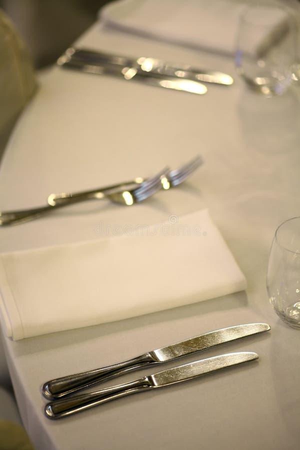Таблица в ресторане стоковое фото rf