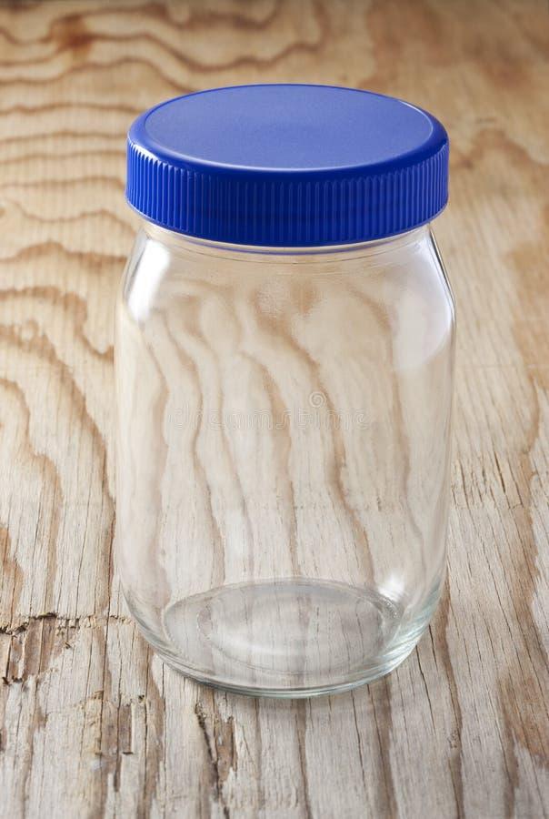 таблица corns кофе стеклянным разленная опарником стоковое фото rf