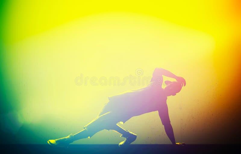 Тазобедренный хмель, танец пролома выполнил молодым человеком иллюстрация штока