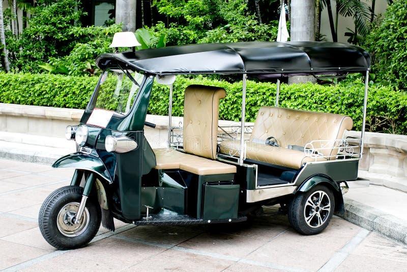 ТАИЛАНД - моторизованные 3-Уилеры стоковое фото