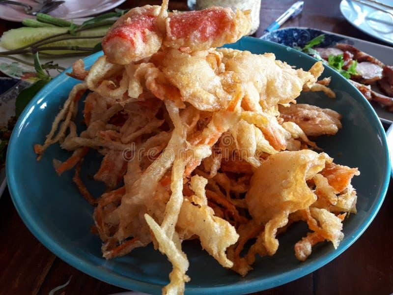 Таиланд популярный салат, зажаренная еда Таиланда, кислый, сладостный, солёный и пряные ингридиенты будут принесены перед жарить стоковое изображение