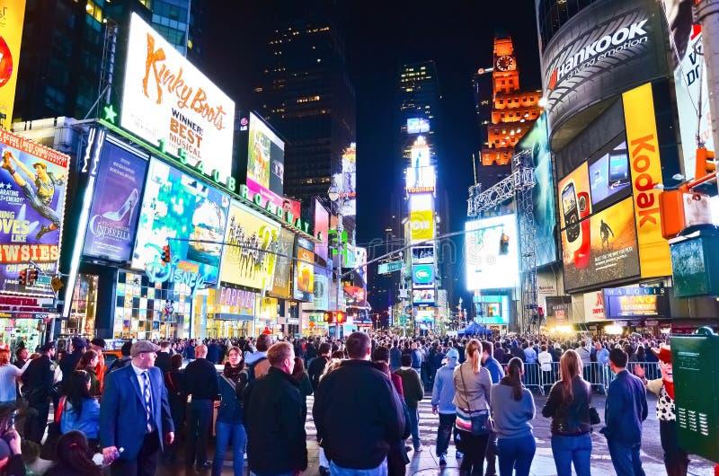 Таймс площадь на ноче в Нью-Йорке стоковая фотография rf