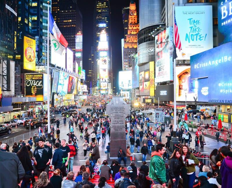 Таймс площадь на ноче в Нью-Йорке стоковая фотография