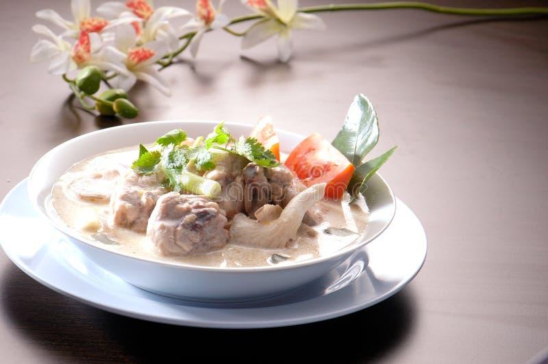 Тайская еда. Tum Kha Kai стоковая фотография
