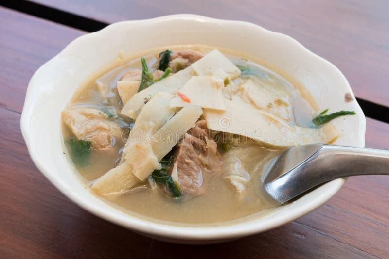 Тайская еда, карри стиля супа бамбукового всхода северное стоковое фото rf