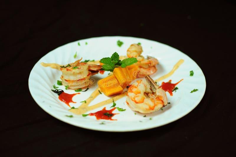 Тайская закуска креветки стиля стоковые изображения