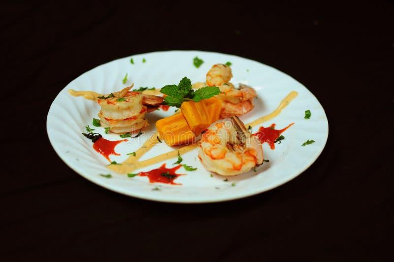 Тайская закуска креветки стиля стоковое изображение rf