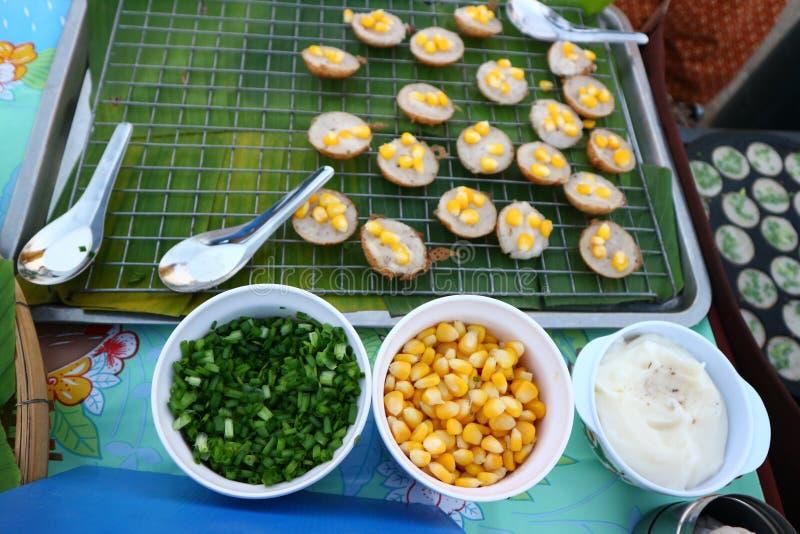 Тайская кухня имеет разнообразие шармы и десерты в красивом цвете стоковые изображения rf