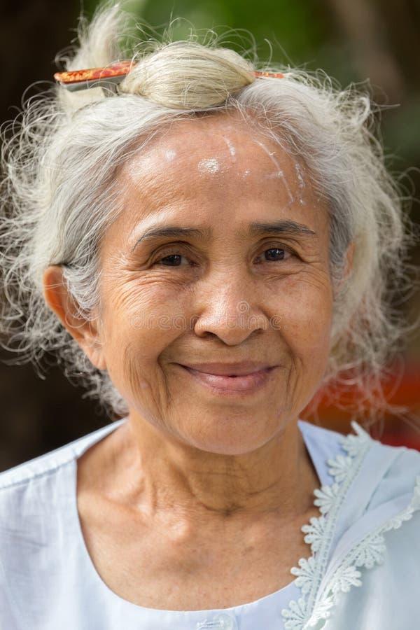 Тайская старшая дама стоковая фотография
