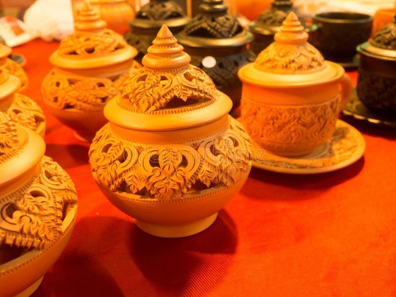 Тайская традиционная гончарня глины в рынке, Таиланде стоковые изображения rf