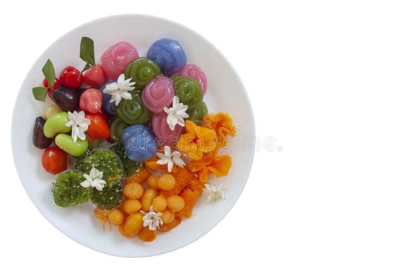Тайские десерты в белом взгляде Choup плиты, Kanom Chan, ремне Yip, ремень Foi, встретили Khanun, ремень Yot, Khao Niew Kaew стоковое фото rf