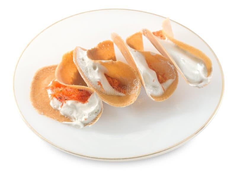 Тайские кудрявые Crepes с сладостной сливк и посоленным Shredded кокосом стоковые изображения