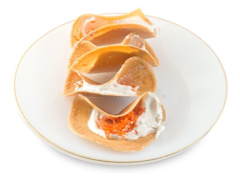 Тайские кудрявые Crepes с сладостной сливк и посоленным Shredded кокосом стоковые изображения rf