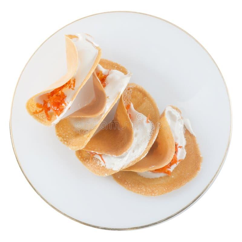 Тайские кудрявые Crepes с сливк и посоленным Shredded кокосом стоковые изображения rf