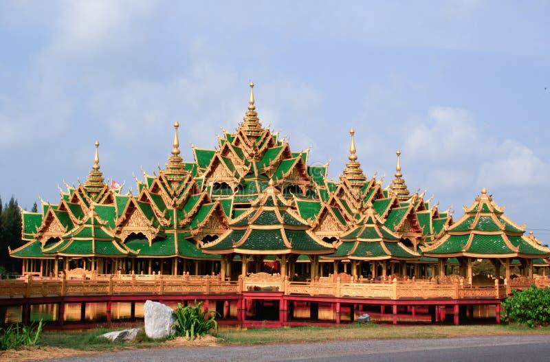 Тайский дворец стоковая фотография
