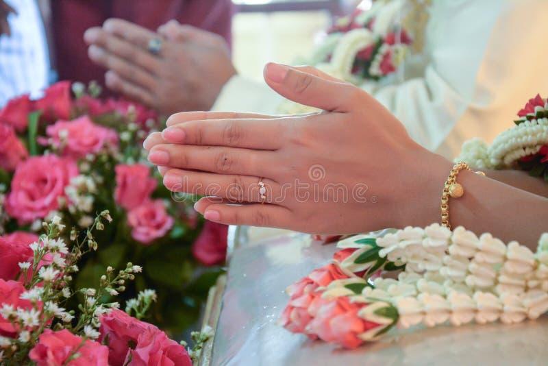Download Тайский захват свадебной церемонии Стоковое Фото - изображение насчитывающей буддийские, замужество: 40592096